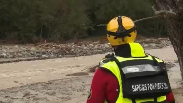 Mercredi 7 octobre, cinq jours après le passage de la tempête Alex, le bilan humain reste provisoire. Les recherches ont repris à La Bollène-Vésubie (Alpes-Maritimes), les pompiers-plongeurs explorent le lit de la rivière Vésubie ainsi que les berges, à la recherche de nouvelles victimes. (FRANCE 2)