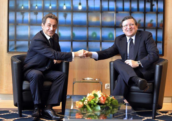 Nicolas Sarkozy rencontre le président de la Commission européenne, José Manuel Barroso, le 27 mars 2013 à Bruxelles (Belgique). (GEORGES GOBET / AFP)