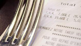 Le député socialiste Thomas Thévenoud songe à relever la TVA dans la restauration à 19,6%, son niveau initial. (FRED TANNEAU / AFP)