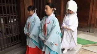 Au Japon, les traditions demeurent. (France 2)