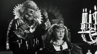 """Jean Marais et Josette Day dans """"La Belle et la Bête"""" de Jean Cocteau (1946)  (M6 Vidéo)"""