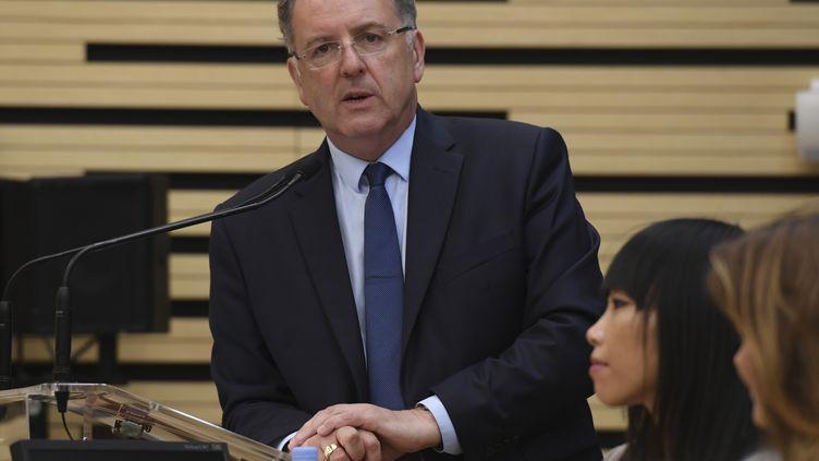 Richard Ferrand, chef de file des députés de La République en marche, lors d'une conférence de presse, à Paris, le 27 juin 2017. (CHRISTOPHE ARCHAMBAULT / AFP)