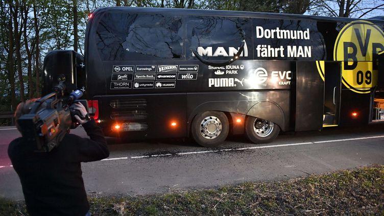 Le bus du Borussia Dortmund, le 11 avril 2017 à Dortmund (Allemagne). (MARTIN MEISSNER/AP/SIPA / AP)
