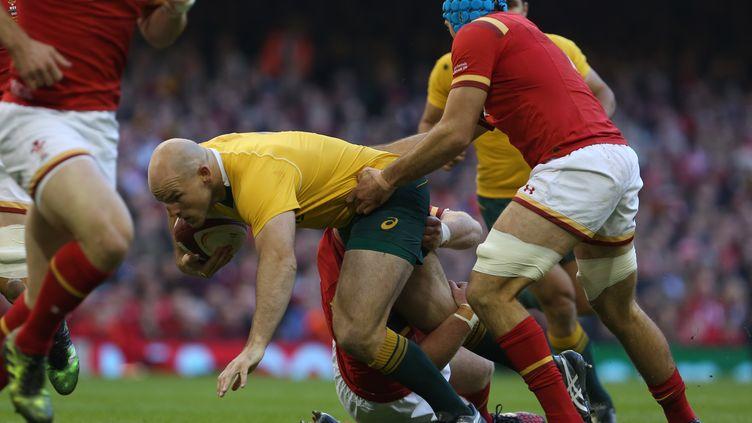 L'équipe d'Australie (ici Stephen Moore) a débuté sa toiurnée européenne par un succès sur le Pays de Galles (GEOFF CADDICK / AFP)