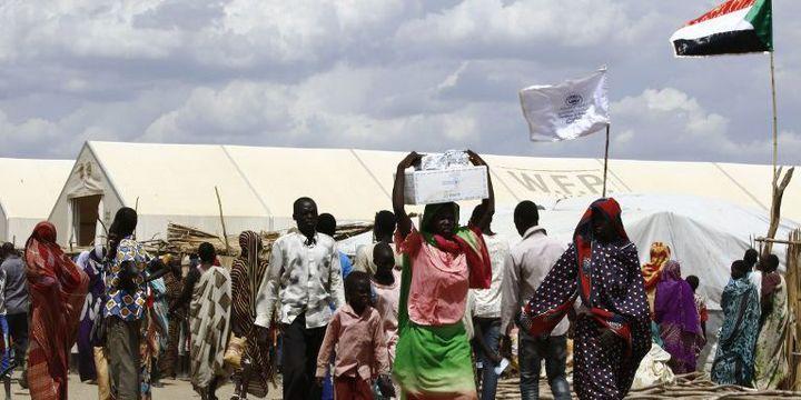 Réfugiés du Soudan du Sud dans un camp de réfugiés au Soudan, au sud de Karthoum. Plus de 95.000 Soudanais du Sud sont entrés au Soudan, a déclaré l'ONU, alors que des milliers de personnes continuent à fuir la guerre et la famine dans la plus jeune nation du monde. (ASHRAF SHAZLY / AFP)