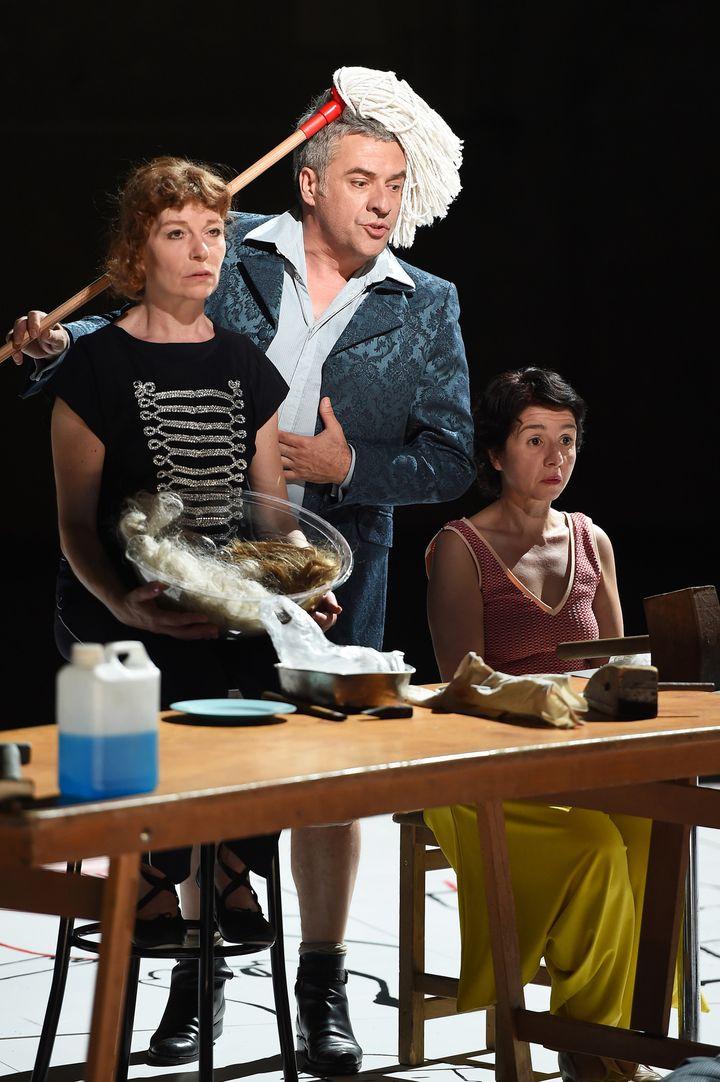Agnès Sourdillon, à gauche  (Anne-Christine Poujoulat/AFP)
