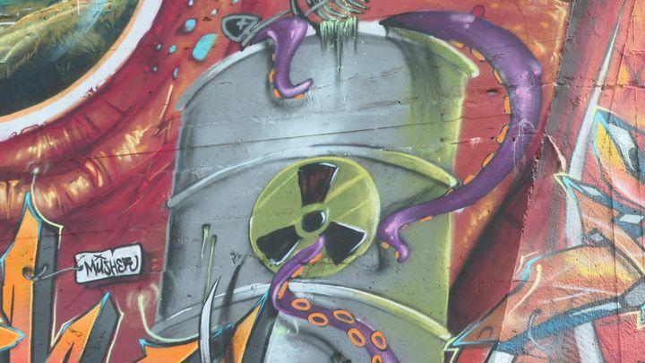 Détail du bunker entièrement peint à la bombe (France 3 Nouvelle Aquitaine)