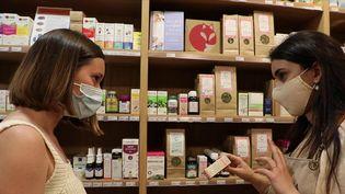 Les plantes médicinales connaissent un succès grandissant. Focus sur un phénomène qui séduit de plus en plus de personnes. (CAPTURE ECRAN FRANCE 2)