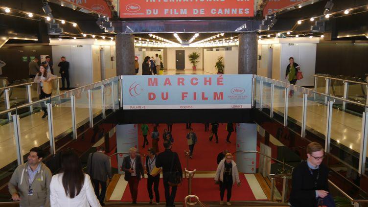 L'entrée du Marché du film, au -1 du Palais des festivals. (Lorenzo Ciavarini Azzi)