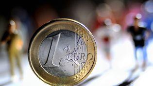 53% des Français interrogés par Viavoice pensent que leur pouvoir d'achat va diminuer au cours des trois prochains mois. (PHILIPPE HUGUEN / AFP)