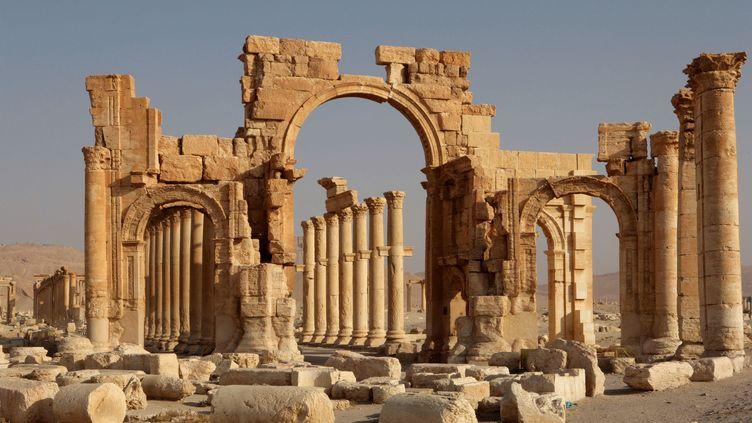 L'arche et les colonnes de Palmyre (Syrie), le 28 décembre 2014. (MANUEL COHEN / AFP )