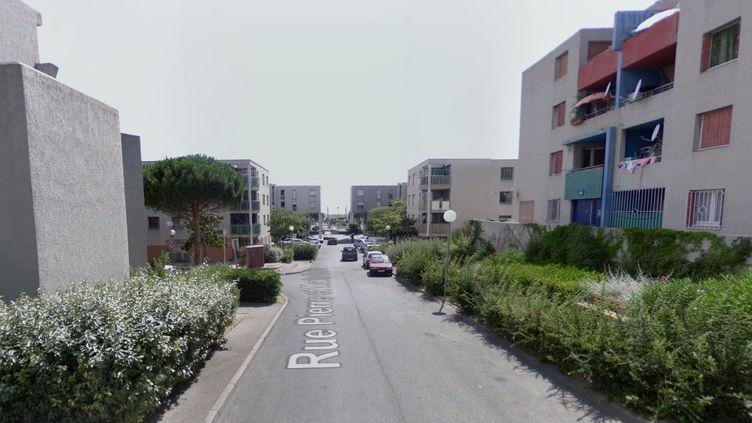 L'homicide a eu lieu dans la rue Pierre-et-Marie-Curie, le 20 mars 2014, à Vitrolles (Bouches-du-Rhône). (GOOGLE MAPS / FRANCETV INFO)