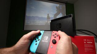 Une manette de la console Nintendo Switch. (LP/OLIVIER ARANDEL / MAXPPP)