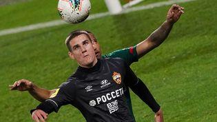 Le footballeur biélorusse Ilya Shkurin, le 16 juillet 2020, avec son équipe du CSKA Moscou, à l'occasion d'un match du championnat russe. (ALEXANDER VILF / SPUTNIK)
