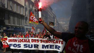 Des manifestants contre la loi Travail, à Marseille (Bouches-du-Rhône), le 15 septembre 2016. (MAXPPP)