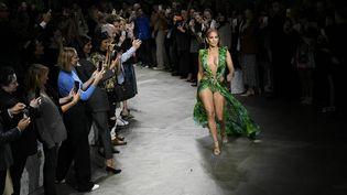 Jennifer Lopezau défilé Versace SS20 Milan Fashion Week - Milan, Italie 20/09/2019 (IK ALDAMA / IK ALDAMA)