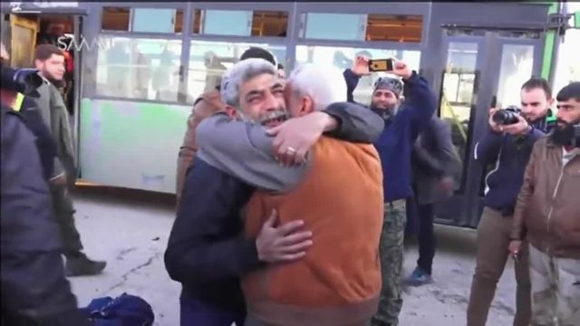 Alep : les familles des quartiers est se retrouvent