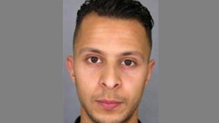 Une photo de Salah Abdeslam diffusée dans un appel à témoignages de la police nationale, le 25 novembre 2015. (AFP PHOTO / POLICE NATIONALE)