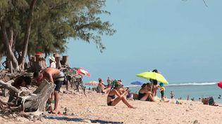 Confinement en Outre-mer : coup dur pour le tourisme en Martinique et à La Réunion (France 2)