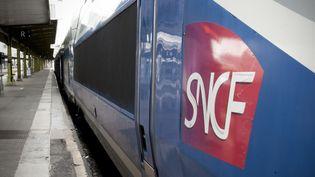 Un TGV à la gare de Lyon, à Paris, le 13 mars 2018. (DAVID SEYER / CROWDSPARK / AFP)