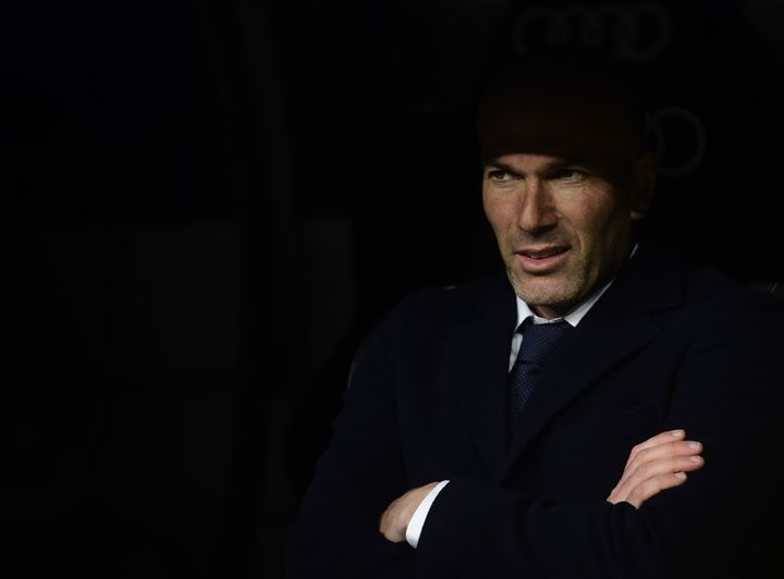 Zinédine Zidane lors d'un match Real Madrid-Séville, le 20 mars 2016, au stade Santiago-Bernabeu. (PIERRE-PHILIPPE MARCOU / AFP)