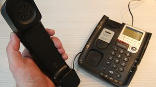 Pranles, village ardéchois de 500 habitants, connaît depuis des années des problèmes liés au téléphone fixe (photo d'illustration). (JEAN-FRAN?OIS FREY / MAXPPP)
