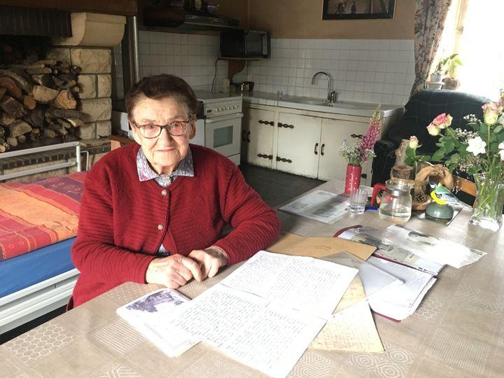 Jacqueline Thérin, le 23 mai 2019 à Cahagnes (Calvados). Elle avait 17 ans en 1944. (SIMON GOURMELLET)