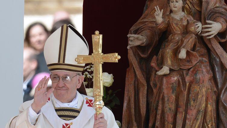 Le pape François lors de la messe d'installation, au Vatican, le 19 mars 2013. (FILIPPO MONTEFORTE / AFP)