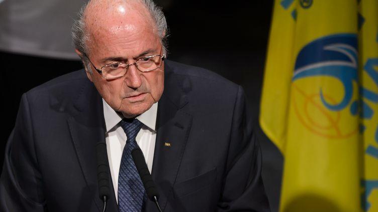 Le président de la Fifa Sepp Blatter, le 28 mai 2015, lors de la cérémonie d'ouverture du congrès de la Fifa, à Zurich en Suisse. (FABRICE COFFRINI / AFP)