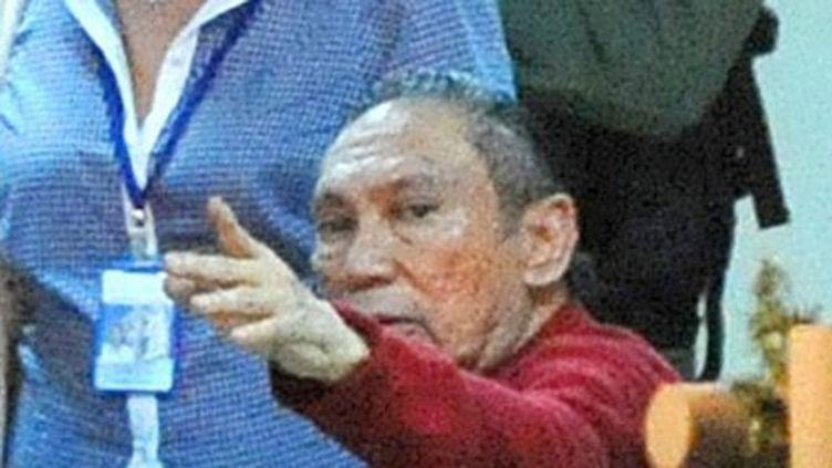 Manuel Noriega à son arrivée en prison, à 25 km de Panama City, le 11 décembre 2011. (AFP PHOTO/ Rodrigo ARANGUA)