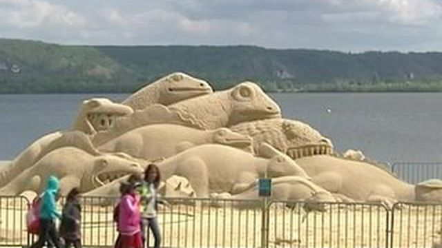Une oeuvre monumentale réalisée avec 210 tonnes de sable