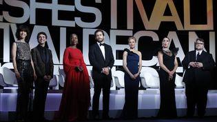 Quelques jurés du 68e festival de Cannes lors de la cérémonie d'ouverture, mecredi 13 mai 2015. (VALERY HACHE / AFP)