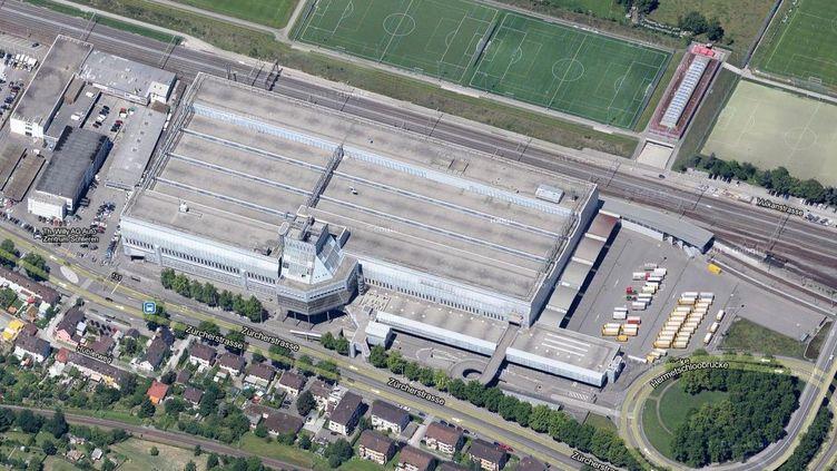 Vue aérienne du centre postal de Mülligen-Zurich, en Suisse. (GOOGLE STREET VIEW)