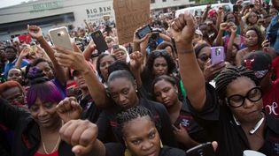 Une manifestationen hommage à Alton Sterling, un homme tué par un policier, à Bâton-Rouge (Louisiane), le 6 juillet 2016. (REUTERS)