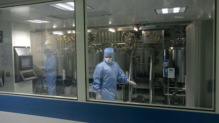 Le laboratoire pharmaceutique LFB Biomédicaments, à Lille, a été touché par la coupure de courant géante, qui avait affecté l'ensemble de la ville, le 9 octobre 2018. (GUY DROLLET / MAXPPP)