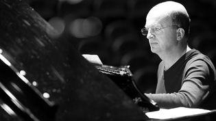 Guillaume de Chassy, pianiste, compositeur et improvisateur  (Sylvain Gelineau)