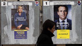 Panneaux électoraux du second tour de la présidentielle 2017. (GETTY IMAGES)