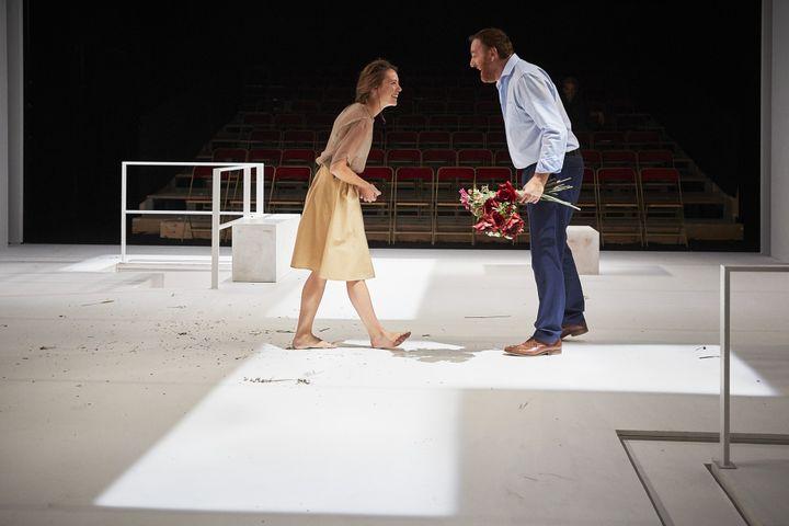 Claire de La Rüe du Can (La Comtesse) et Jérôme Pouly (Dorante)  (Christophe Raynaud de Lage/Comédie-Française)
