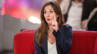Camille Chamoux dans l'émission Vivement dimanche sur France 2 en janvier 2015. (FREDERIC DUGIT / MAXPPP)
