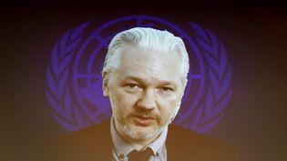 Julian Assange, fondateur du site WikiLeaks, s'exprime par vidéoconférence lors d'un événement du Conseil des droits de l'Homme des Nations unies à Genève (Suisse), le 23 mars 2015. (FABRICE COFFRINI / AFP)