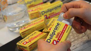 """Photo d'illustration :UFC-Que choisir alerte sur les doses """"dangereuses"""" de paracétamol distribuées par certaines pharmacies, le21 mars 2018. (MAXPPP)"""
