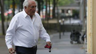 L'ancien patron du FMI Dominique Strauss-Kahn quitte son domicile parisien pour se rendre à Lille (Nord), jeudi 12 juin 2015. (GONZALO FUENTES / REUTERS )