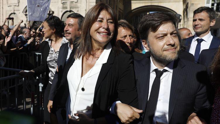 Michèle Rubirola (au centre), flanquée d'autres élus du Printemps marseillais, arrive au conseil municipal de Marseille, le 4 juillet 2020. (MAXPPP)