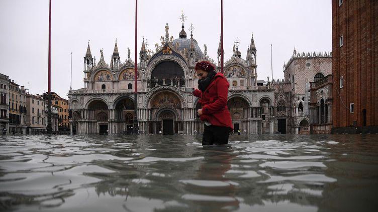 La basilique Saint-Marc sous les eaux à Venise, le 12 novembre 2019. (MARCO BERTORELLO / AFP)