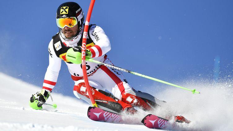 L'Autrichien Marcel Hirscher, lors de la 1re manche du slalom aux Mondiaux 2017 de Saint-Moritz. (FABRICE COFFRINI / AFP)