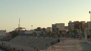 La presqu'île de Dakhla, au Maroc, devenu un haut lieu des sports nautiques. (FRANCE 2)