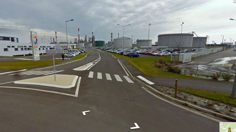Une fuite chimique s'est produite dans la raffinerie Total de Donges (Loire-Atlantique), le 11 juillet 2013. (GOOGLE STREET VIEW / FRANCETV INFO)