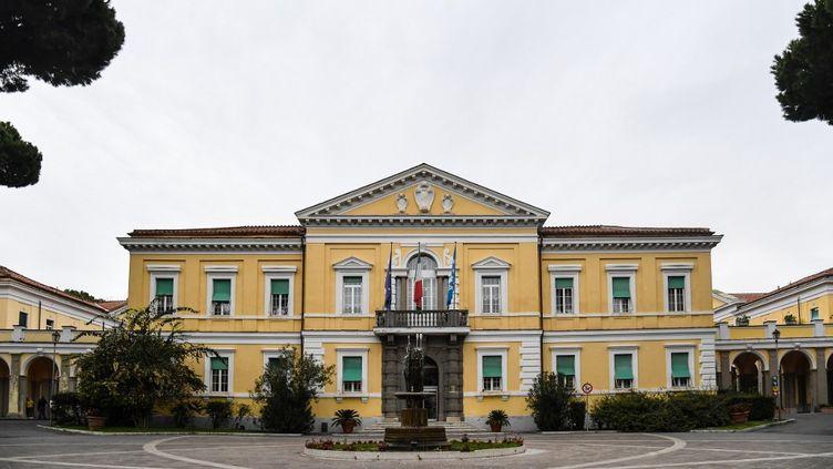 L'hôpital Spallanzani à Rome, spécialisé dans les maladies infectieuses, et équipé de congélateurs permettant de conserver les dosesde vaccin. (ANDREAS SOLARO / AFP)