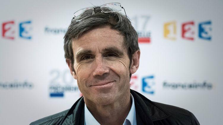 Le journaliste David Pujadas au siège de France Télévisions, à Paris, le 31 mars 2017. (PHILIPPE LOPEZ / AFP)