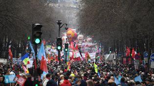 La manifestation contre le projet de réforme des retraites à Paris, le 9 janvier 2020. (ALAIN JOCARD / AFP)